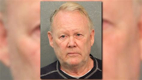 Hcso Warrant Search Hcso 71 Year Arrested On Child Charges Khou