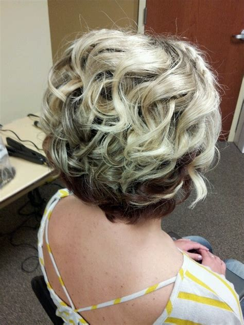 wedding hairstyles mother for curly hair 15 fantastic short wedding hairstyles pretty designs
