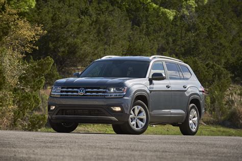 vw atlas models  price bump carscoops