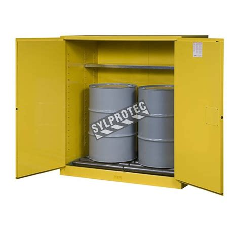Justrite Flammable Liquid Storage Cabinet Justrite Sure Grip Ex Drum Storage Cabinet For Flammable Liquids Capacity 110 Us Gallons 400 L