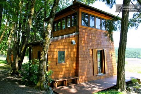 tiny cabin rentals 16 tiny houses cabins and cottages you can rent or