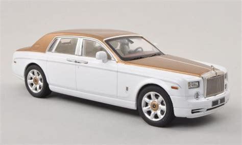 rolls royce white and gold rolls royce phantom white gold lhd 2010 ixo diecast model