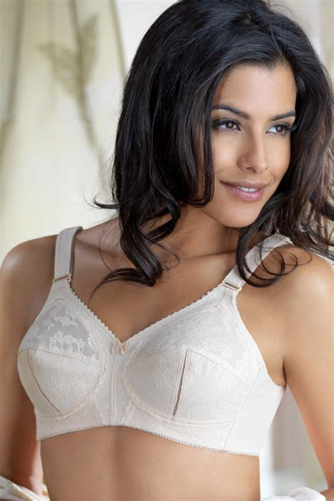 triumph doreen bra buy shopping store bodyfocus pk
