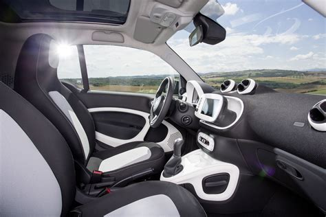Interior Of Smart Car by 2016 Smart Fortwo Interior 03 Photo 13
