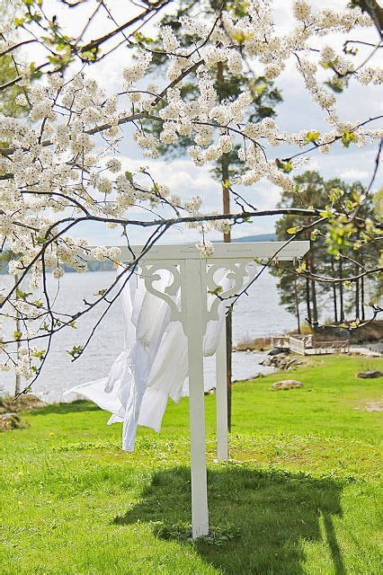Cottage Clothesline by 25 Best Ideas About Clotheslines On Clothes
