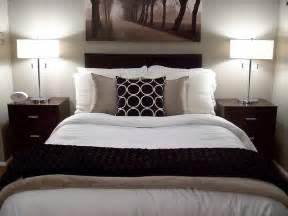 Bedroom Decorating Ideas No Headboard Bedroom Ideas No Headboard For Glamorous And Decorating