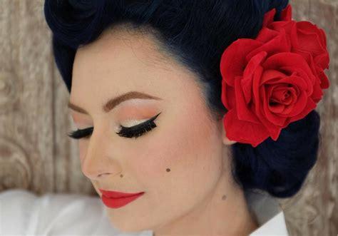 Makeup Laode mirip artis ini gaya unik istri derby romero