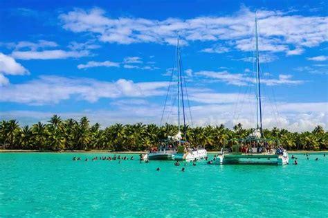 catamaran in cuba a sailing week accompanied by salsa rhythm on the amazing
