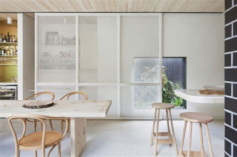 Kitchen Set Minimalis Apartement Bougenville Series brick house by clare cousins melbourne yellowtrace