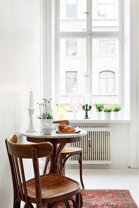 Small Kitchen Nook Tables This N That Breakfast Nook Pairings Coco Kelley Coco Kelley