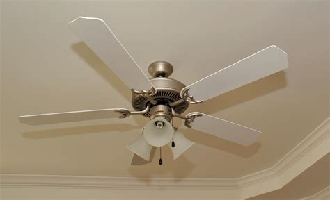 fans of 3 benefits of ceiling fans in your new home