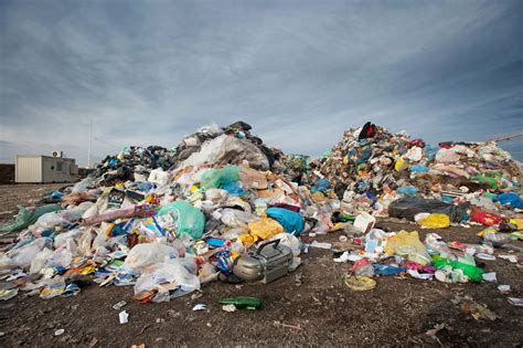 plastic bags and how they hurt the environment