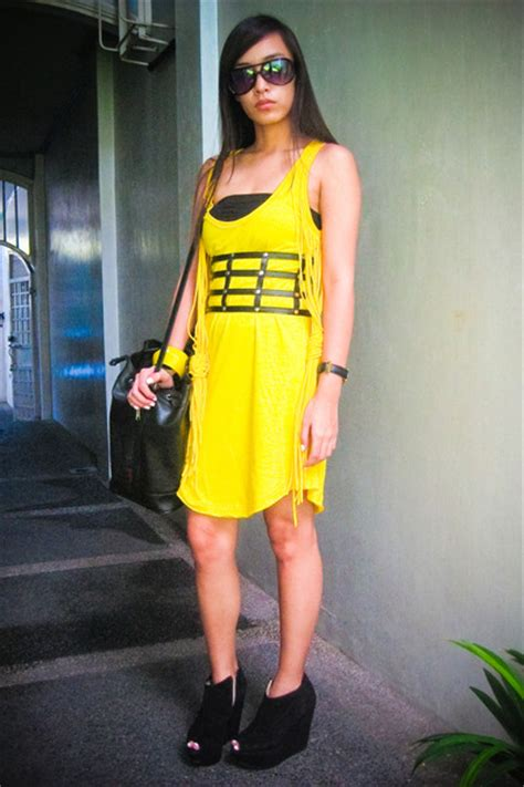 yellow zara dresses black topshop shoes black forever 21