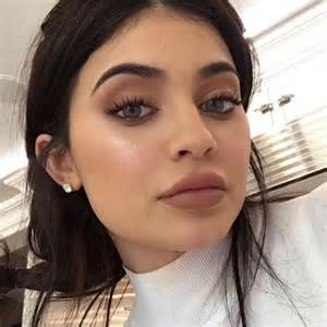 jenner eye color jenner colored contacts jenner eye color