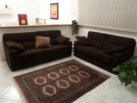 divani marroni tessuto coppia divani tessuto colore marrone scuro scontati
