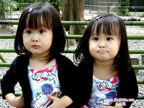 pictures  identical twin baby girls babies