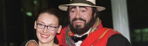 nicoletta mantovani biografia pavarotti nicoletta mantovani diffida la pubblicazione