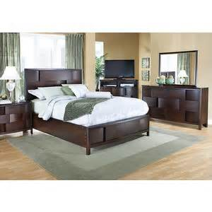 Rooms To Go Bedroom Set Lynwood 5 Pc King Bedroom Bedroom Sets Rooms To Go
