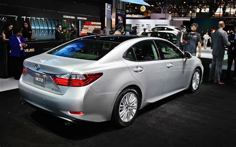 lexus es300 2013 2012 new york 2013 lexus es 300h hybrid and es 350 take a bow