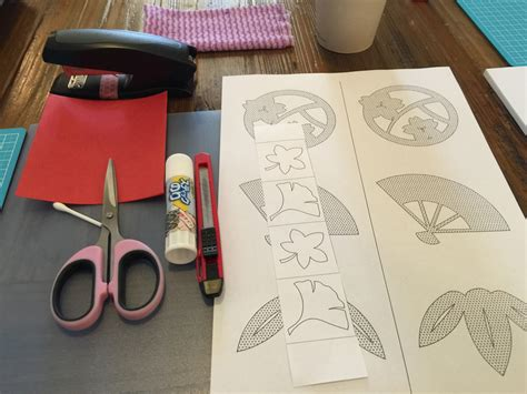 Japanese Paper Crafting - exploring paper craft in chigiri e a japanese paper