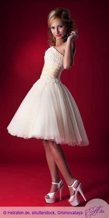 hochzeitskleid kleine frau brautkleid f 252 r ihre hochzeit hochzeit brautkleid heiraten