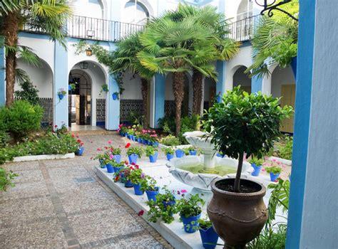 patio andaluz sevilla el patio andaluz y sus ventajas arquitectura bio