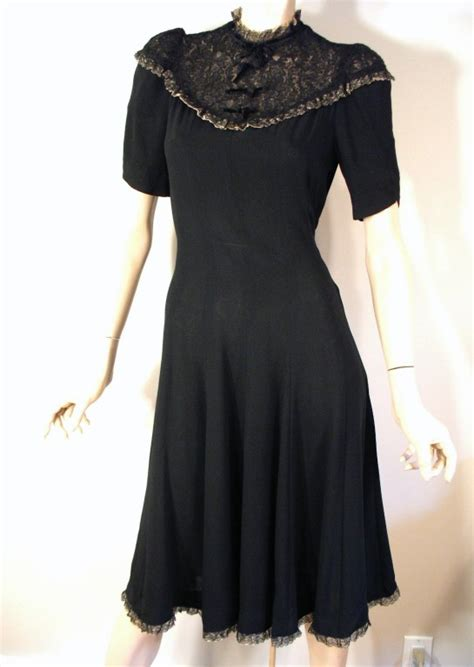 the fashion museum 30 s 40 s dress