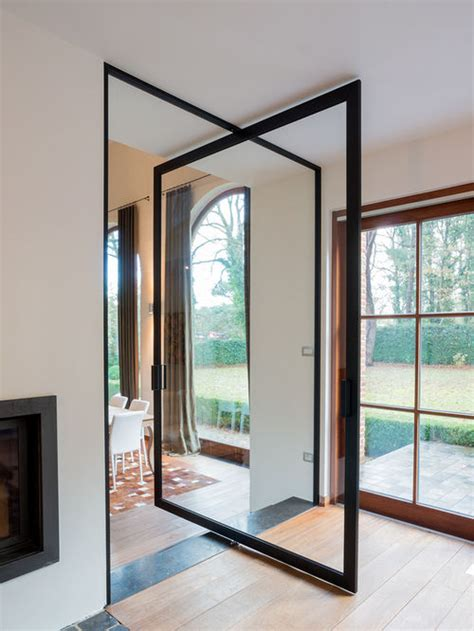 glass pivot door with central axis and 360 176 hinge