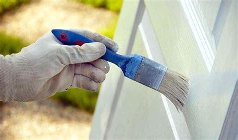 verniciare una porta come verniciare una porta consigli porte