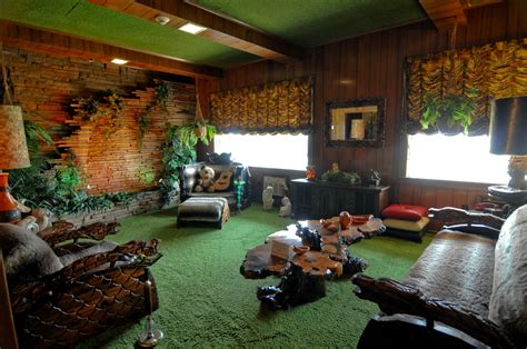 jungle room experience addict graceland