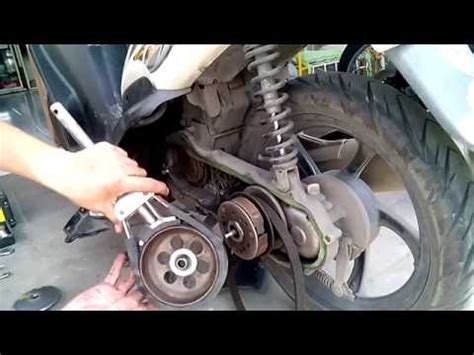 Spare Part Cvt Yamaha Mio Soul how to change yamaha mio motorcycle mpg doovi