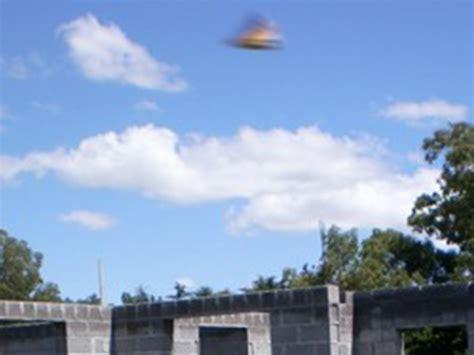 Imagenes Asombrosas De Ovnis   17 asombrosas fotos de ovnis reales en el cielo videos
