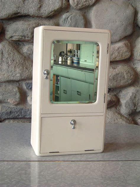 vintage bathroom medicine cabinets 1930s 1940s 1950s vintage bathroom medicine wall cabinet
