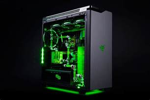 Liquid Cooled Pc Desk Razer And Maingear Partner On An All Out Gaming Pc
