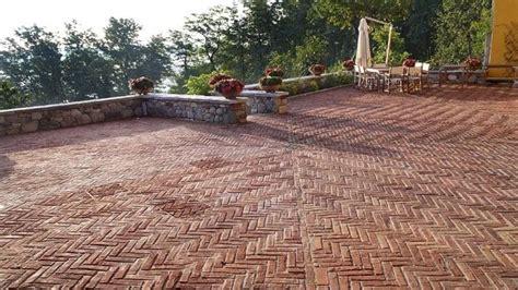 mattonelle per terrazzi esterni prezzi costo piastrelle per esterni pavimenti per esterni