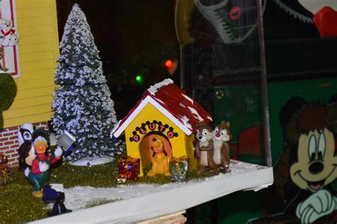 mousesteps fort wilderness christmas decorations and