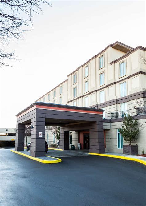 best western toronto best western premier toronto airport carlingview hotel