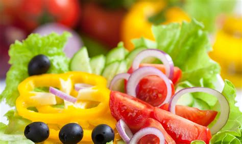 alimenti che contengono melanina cibi per favorire l abbronzatura