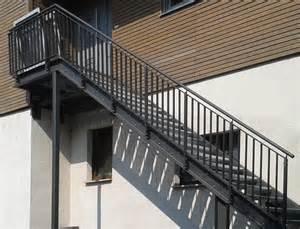 treppen metall hochwertige treppen und gel 228 nder f 252 r innen und au 223 en bau