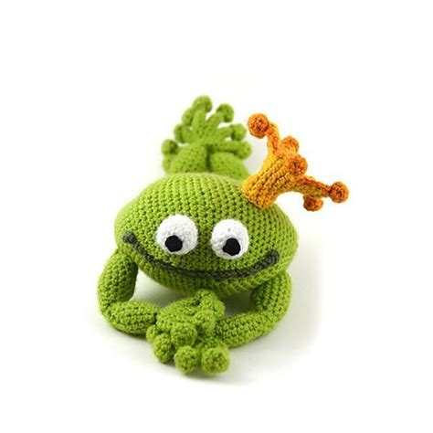 amigurumi toad pattern handsome frog prince fairy tale fantasy theme frog