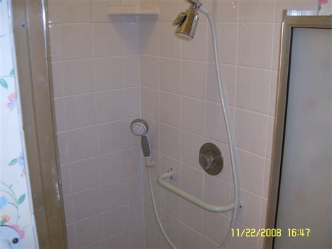bathroom mold removal