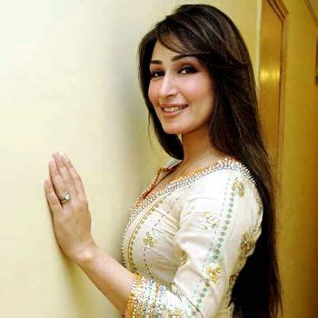 film star reema family reema khan changes color after taking 17 5 million