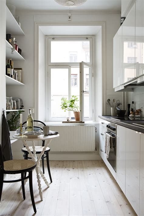 balkonmöbel kleiner balkon 148 stolik kawowy w kuchni kuchnia styl klasyczny