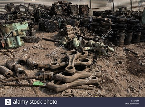 ship engine parts scrapped ship engine parts in alang ship breaking yard