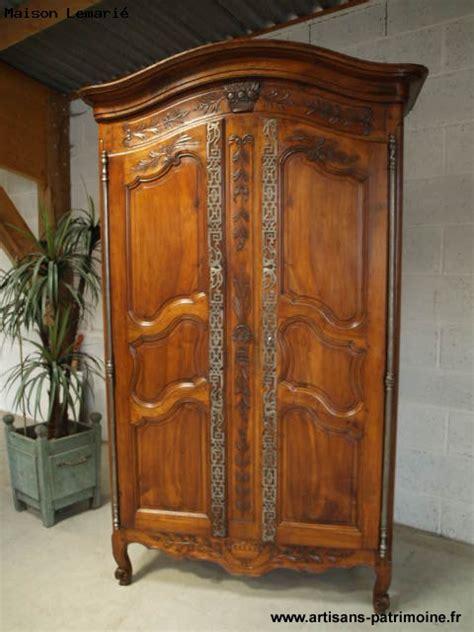 armoire provencale armoire proven 231 ale en noyer artisans du patrimoine