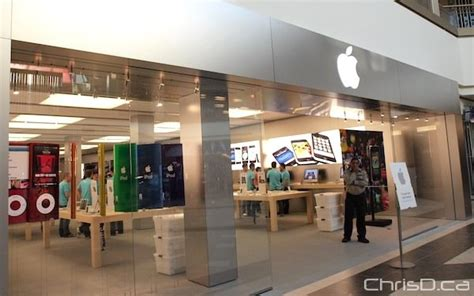 winnipeg s first apple store opens in polo park photos
