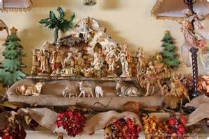 bargain decorating with laurie christmas mantel