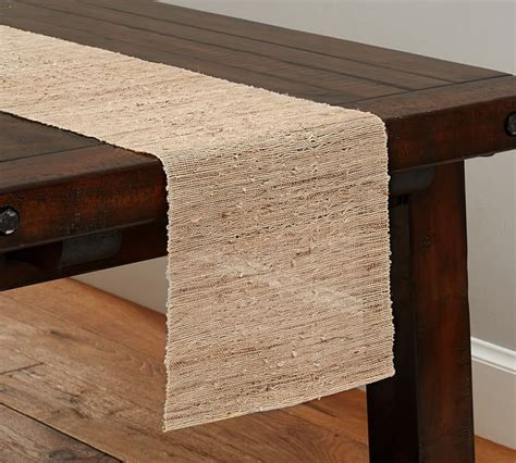 Table Runner Pixshark Com Images Galleries With A