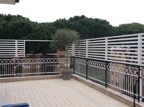 divisori terrazzi divisori per terrazzi in plastica con grigliati e