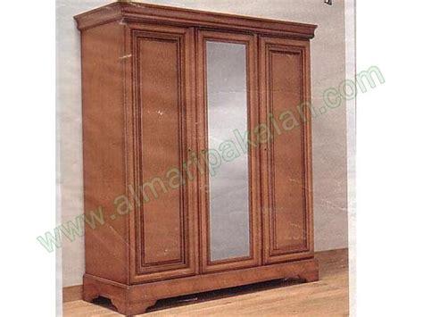 Lemari Pakaian Kaca lemari pakaian 3 pintu tengah kaca model lemari pakaian 3 pintu tengah kaca jual lemari